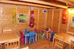 Siedlisko Carownica - kącik zabaw dla dzieci
