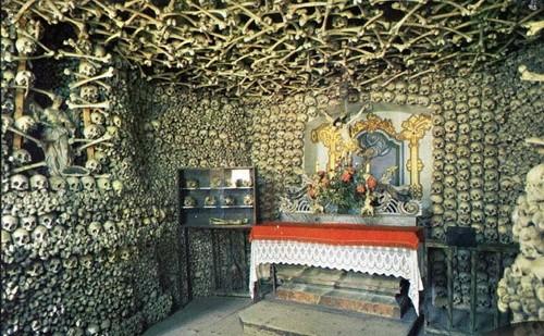 Kaplica Czaszek w Kudowie - Czermnej